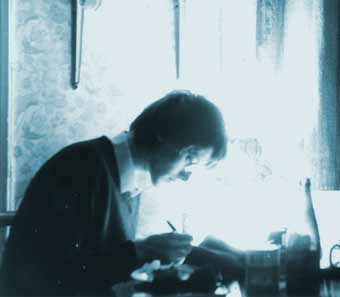 Mick working on the Vegetable Braille fanzine in 1982.